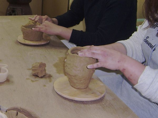 陶芸技法の1つである手びねりとは